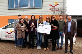 4,727 Euros for a good cause –  ept employees donate raffle proceeds